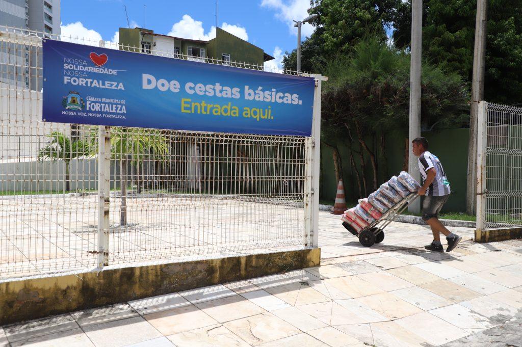 Câmara Municipal de Fortaleza promove campanha para arrecadar alimentos para ajudar população afetada pela quarentena