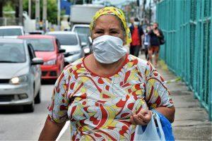 Movimentação de carros e pessoas durante pandemia do corona vírus