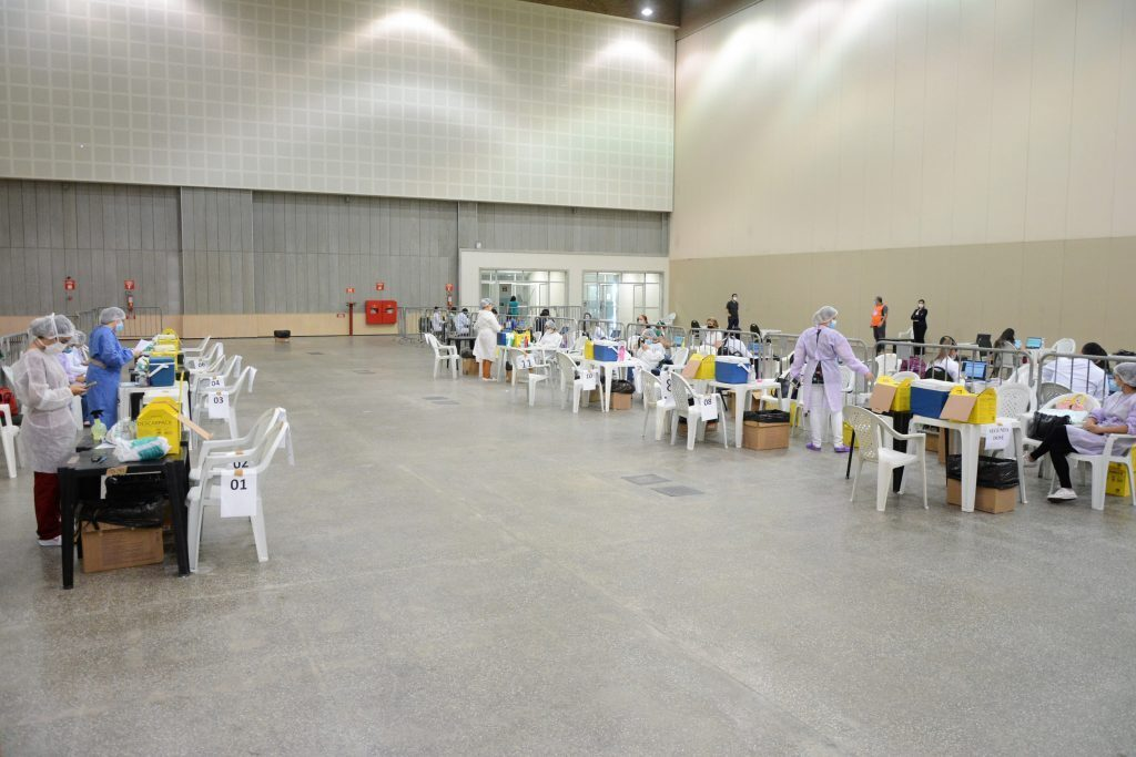 Vacinação Covid-19 no centro de eventos Data: 08.04.2021 Foto: Érika Fonseca